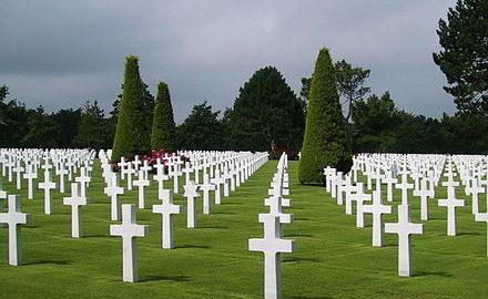 440px-Omaha-beach-cemetery